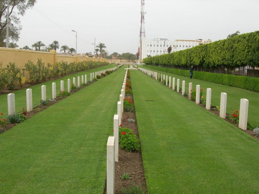 ISMAILIA WAR MEMORIAL CEMETERY - CWGC