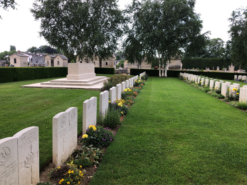 BOIS-GUILLAUME COMMUNAL CEMETERY EXTENSION - CWGC