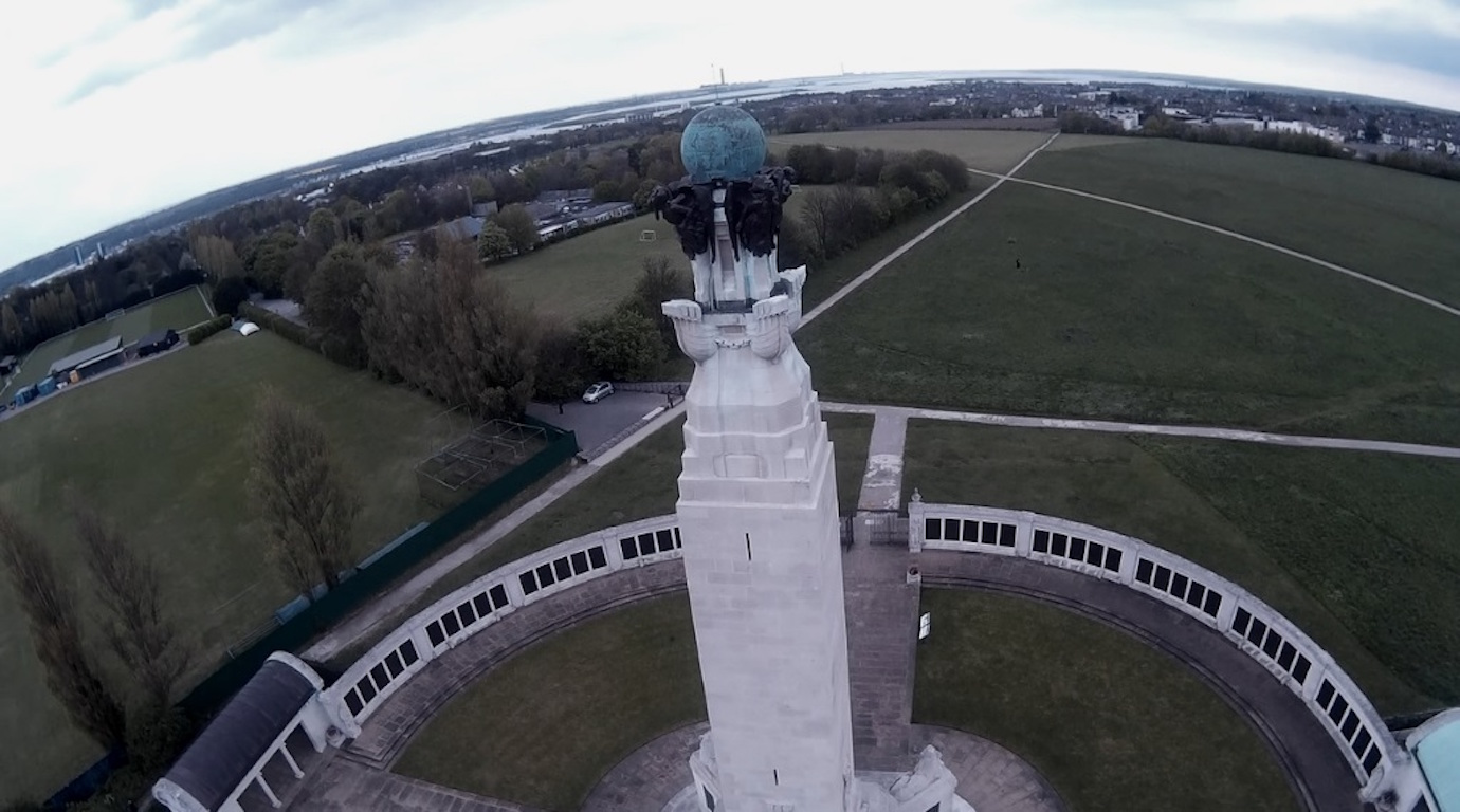 CHATHAM NAVAL MEMORIAL - CWGC
