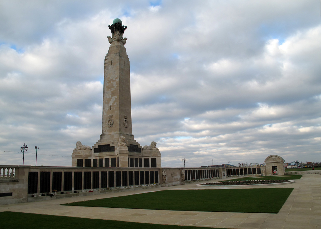PORTSMOUTH NAVAL MEMORIAL - CWGC