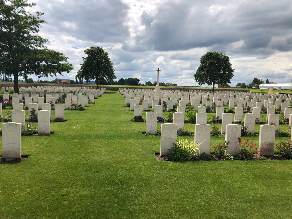 THE HUTS CEMETERY - CWGC