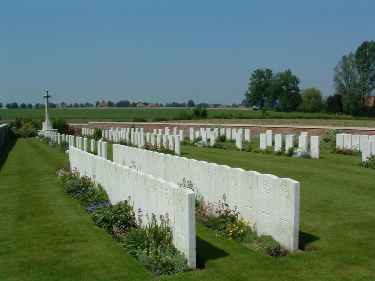 POTIJZE CHATEAU WOOD CEMETERY - CWGC