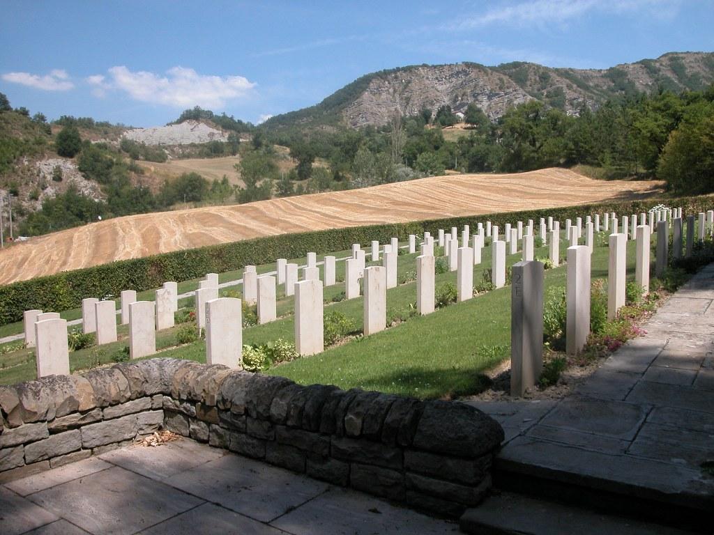 SANTERNO VALLEY WAR CEMETERY - CWGC