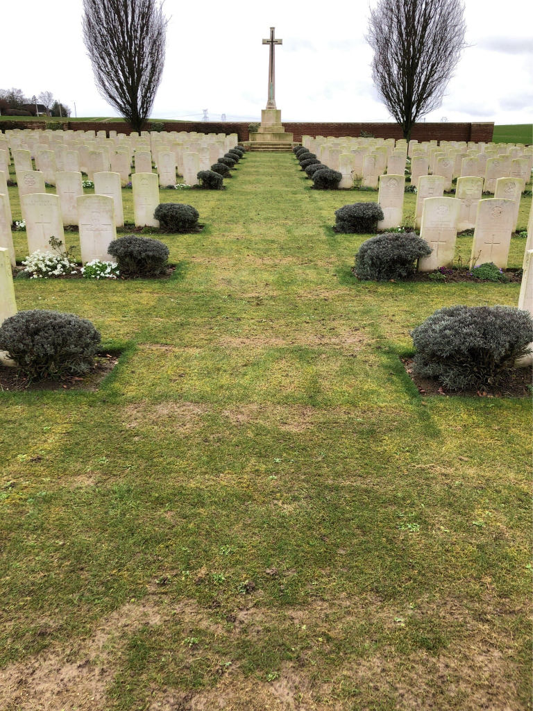 ROMERIES COMMUNAL CEMETERY EXTENSION - CWGC