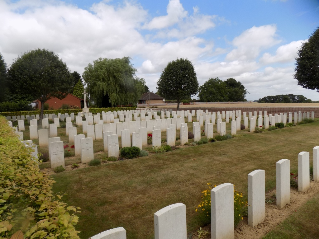 FRANVILLERS COMMUNAL CEMETERY EXTENSION - CWGC