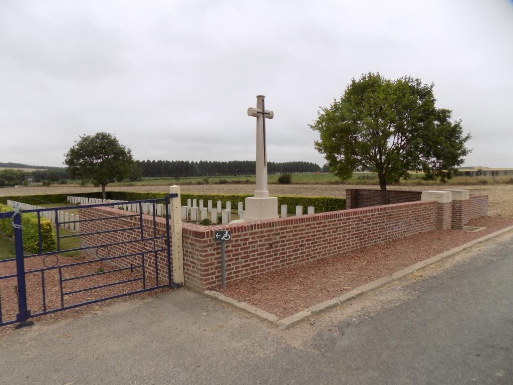 BONNAY COMMUNAL CEMETERY EXTENSION - CWGC