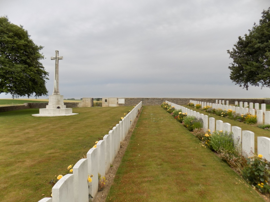 KNIGHTSBRIDGE CEMETERY, MESNIL-MARTINSART - CWGC