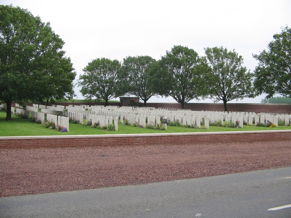 BEACON CEMETERY, SAILLY-LAURETTE - CWGC