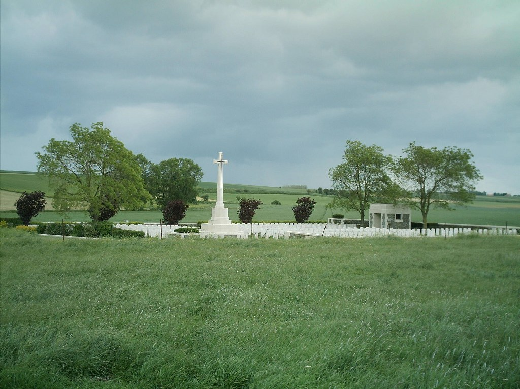ST. AUBERT BRITISH CEMETERY - CWGC