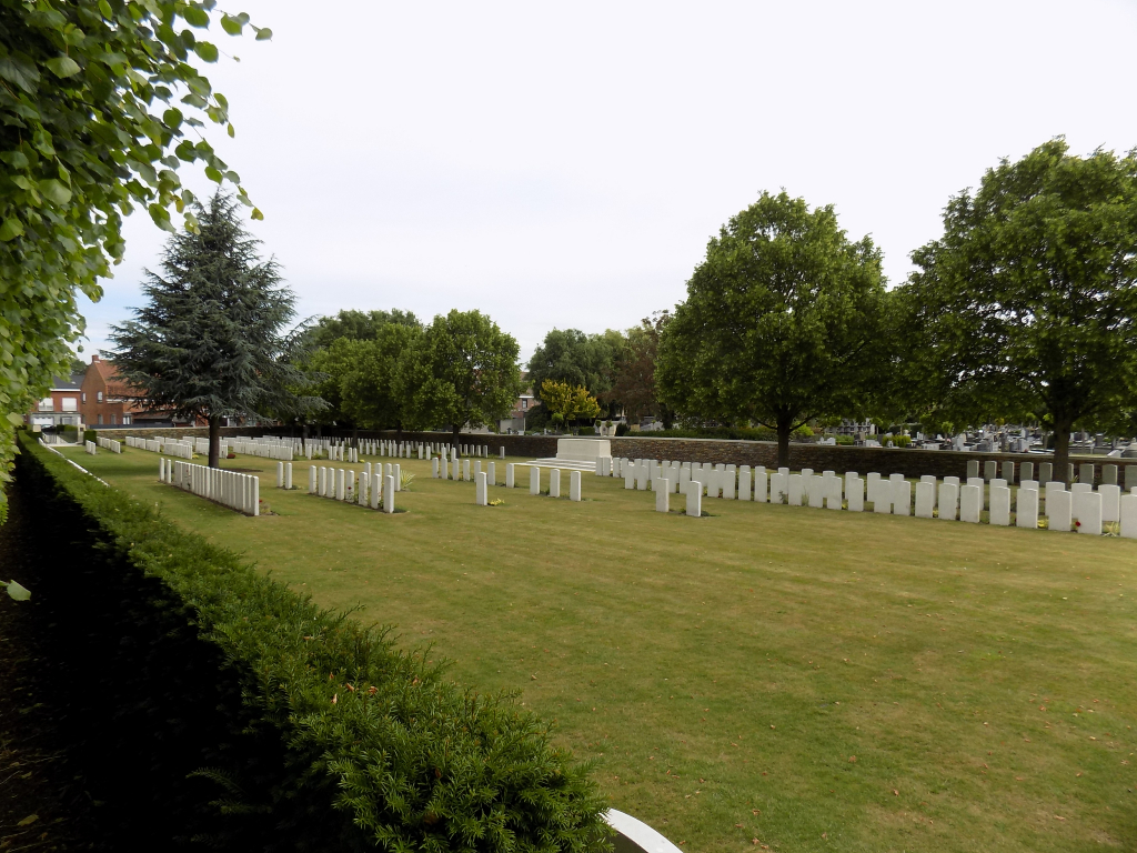 YPRES TOWN CEMETERY EXTENSION - CWGC