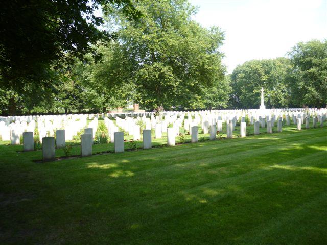 ADEGEM CANADIAN WAR CEMETERY - CWGC