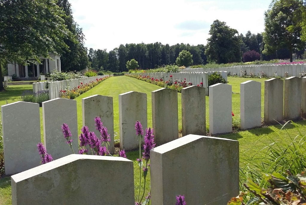BAILLEUL COMMUNAL CEMETERY EXTENSION, NORD - CWGC
