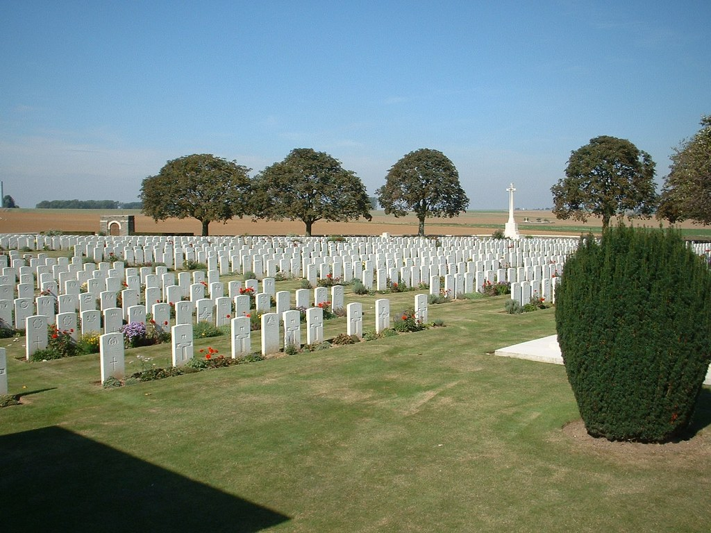 ROCQUIGNY-EQUANCOURT ROAD BRITISH CEMETERY, MANANCOURT - CWGC