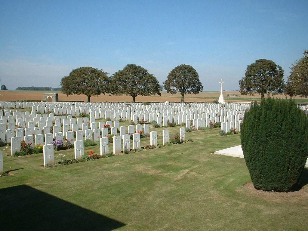 ROCQUIGNY-EQUANCOURT ROAD BRITISH CEMETERY, MANANCOURT - CWGC