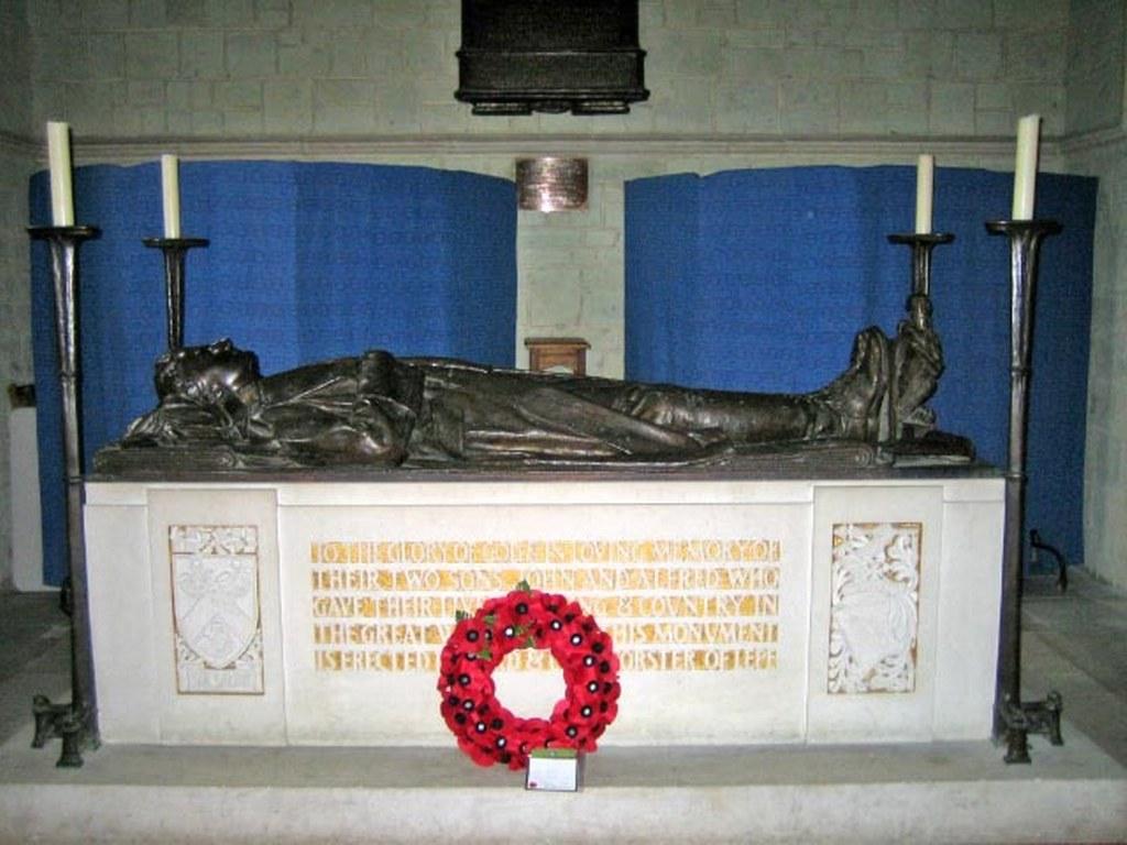 EXBURY (ST. KATHERINE) CHURCHYARD - CWGC