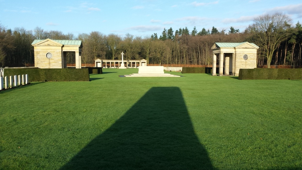 RHEINBERG WAR CEMETERY - CWGC