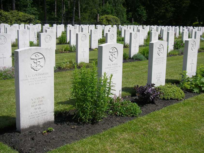BERGEN-OP-ZOOM WAR CEMETERY - CWGC