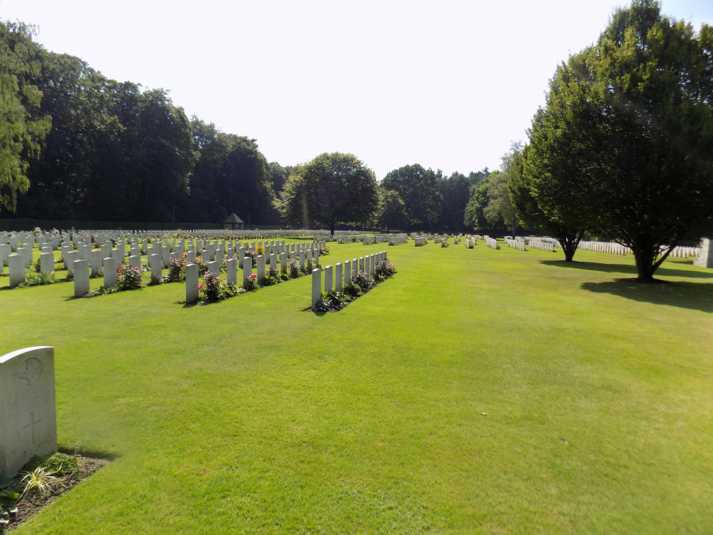 REICHSWALD FOREST WAR CEMETERY - CWGC
