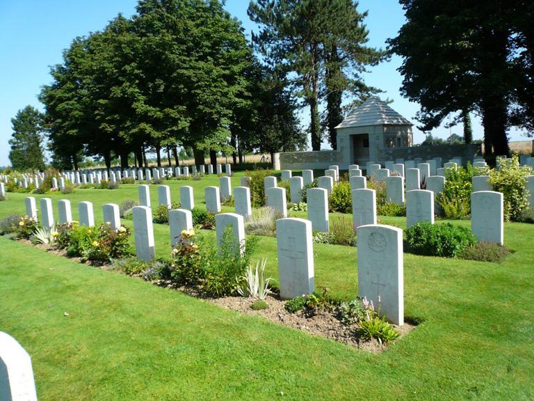 RYES WAR CEMETERY, BAZENVILLE - CWGC