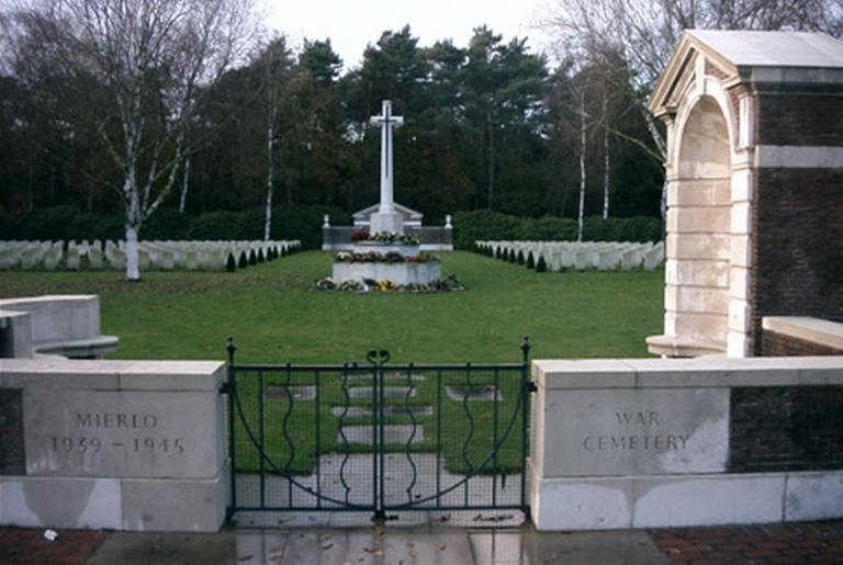 MIERLO WAR CEMETERY - CWGC