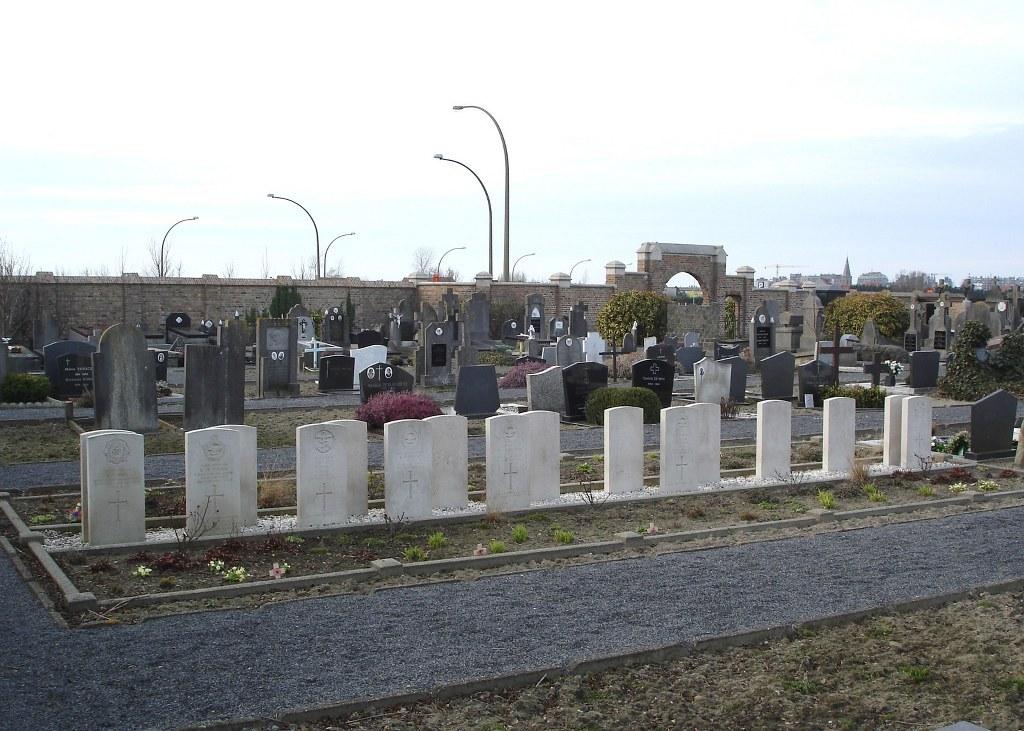 BLANKENBERGE TOWN CEMETERY - CWGC