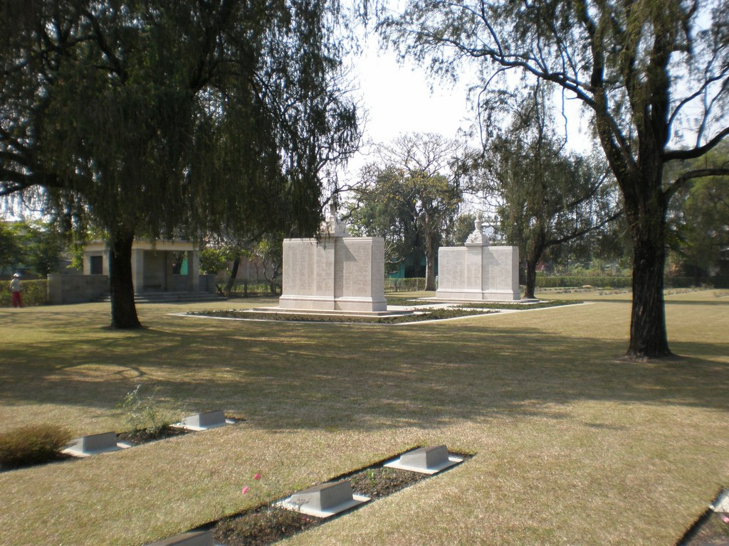 IMPHAL INDIAN ARMY WAR CEMETERY - CWGC