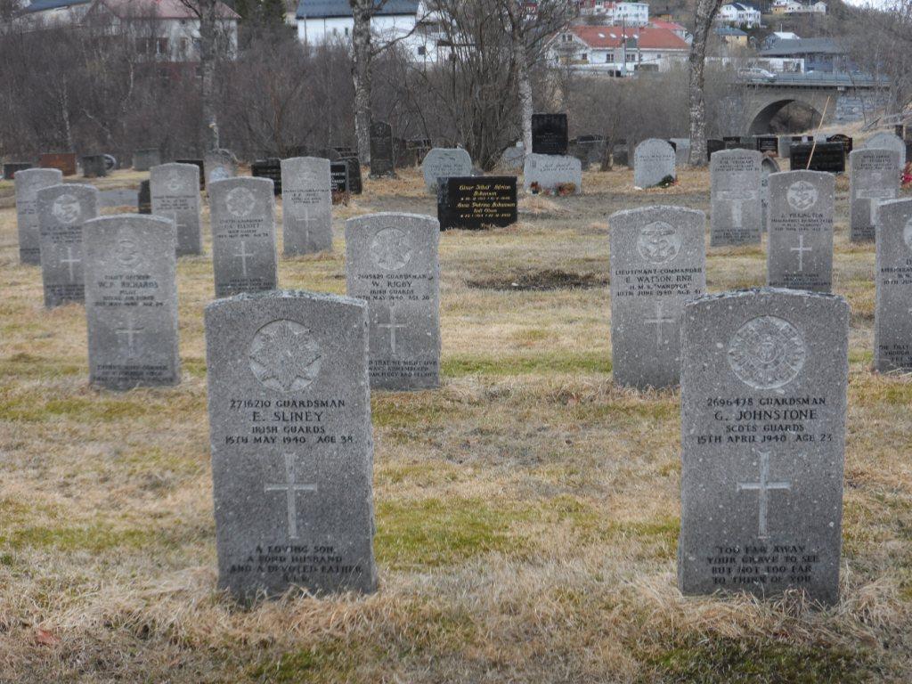 HARSTAD CEMETERY - CWGC