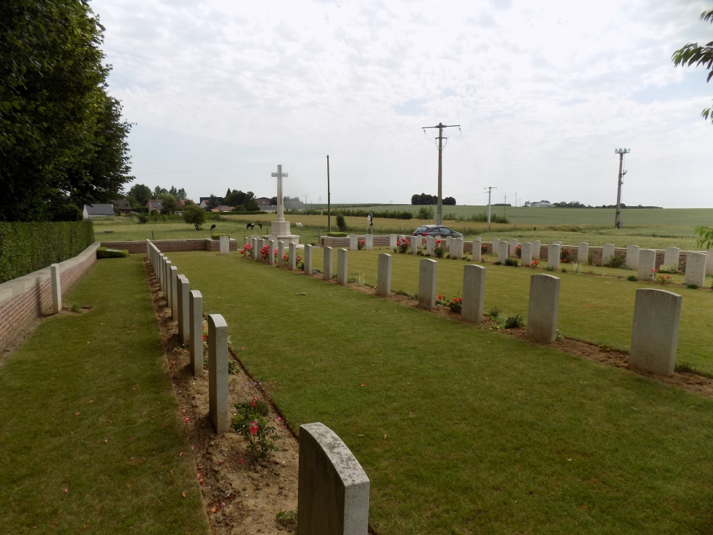 HANNESCAMPS NEW MILITARY CEMETERY - CWGC