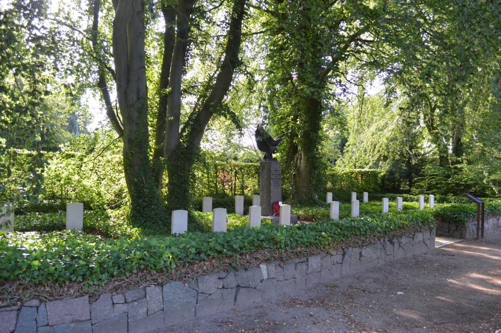 ODENSE (ASSISTENS) CEMETERY - CWGC