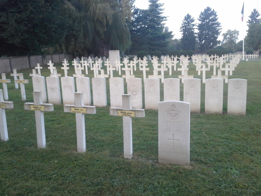 CRONENBOURG FRENCH NATIONAL CEMETERY - CWGC