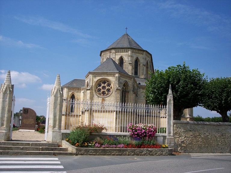 RANVILLE CHURCHYARD - CWGC