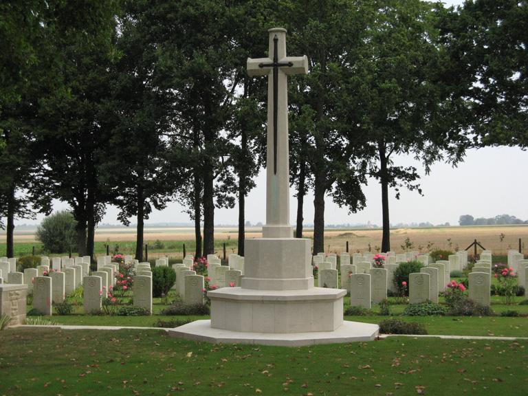 FONTENAY-LE-PESNEL WAR CEMETERY, TESSEL - CWGC