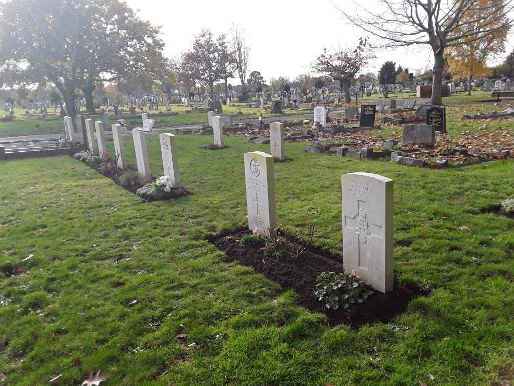CHADWELL ST. MARY CEMETERY - CWGC