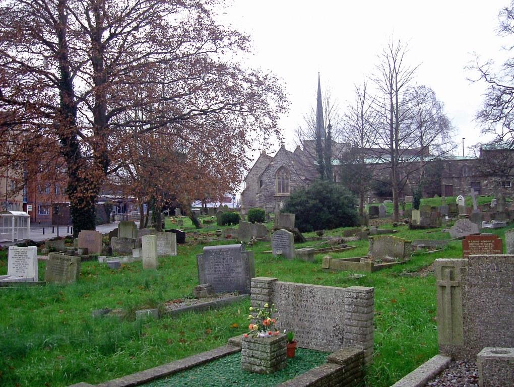 FILTON (ST. PETER) CHURCHYARD - CWGC