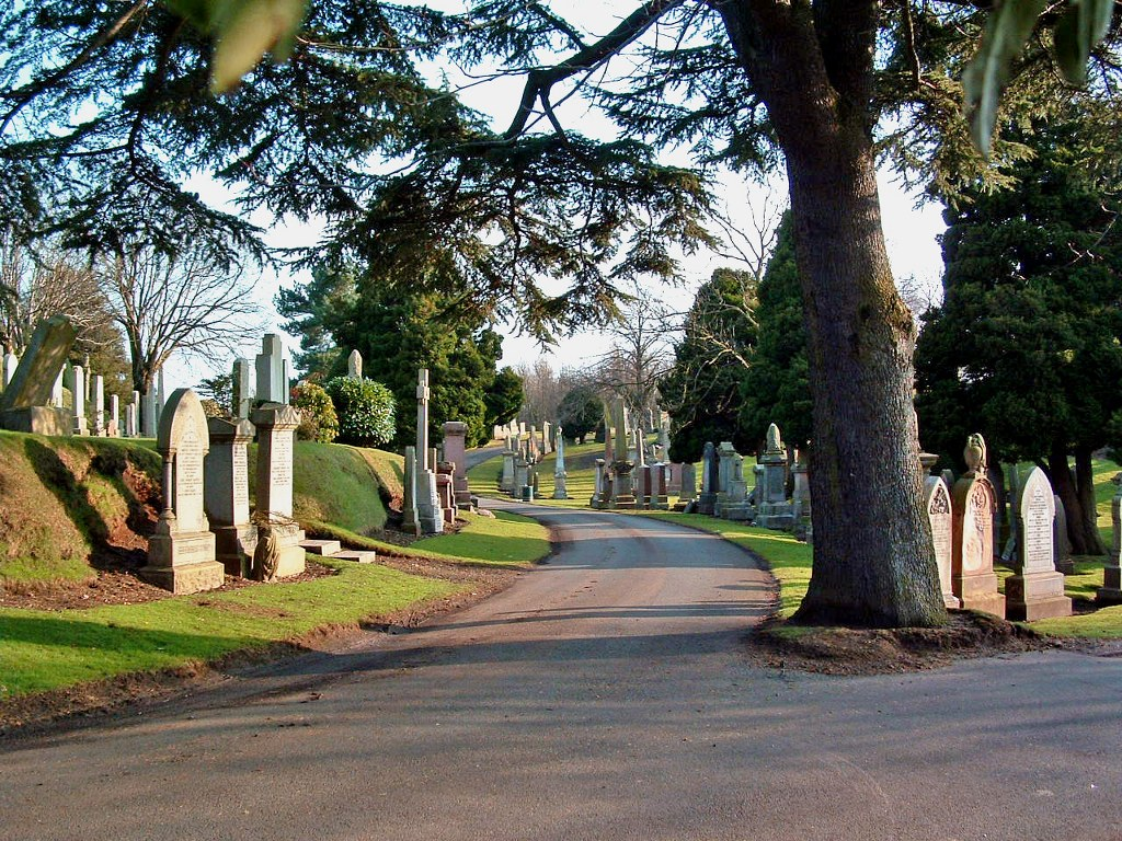 DENNY AND DUNIPACE CEMETERY - CWGC