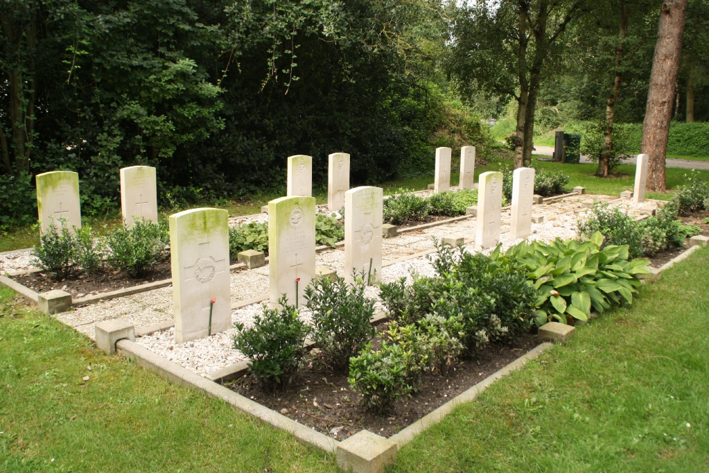 OUDDORP GENERAL CEMETERY - CWGC