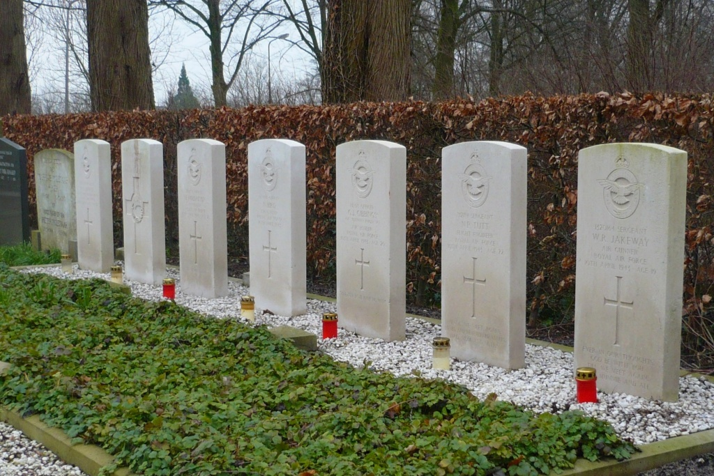 OUDEWATER PROTESTANT CEMETERY - CWGC