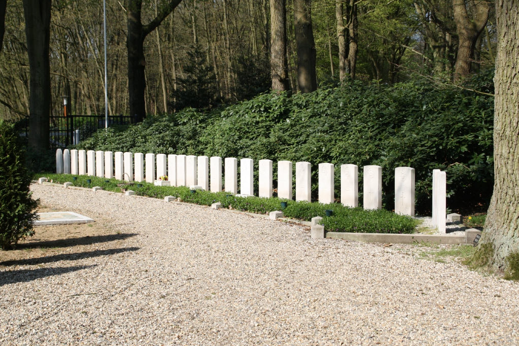 EDE GENERAL CEMETERY - CWGC