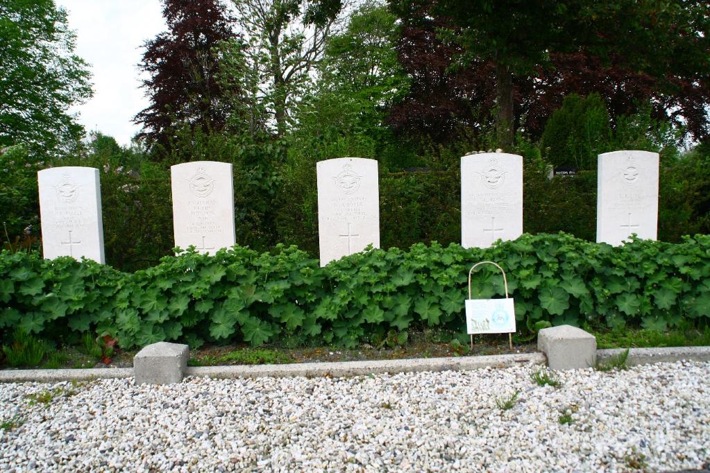 LEEUWARDEN NORTHERN GENERAL CEMETERY - CWGC