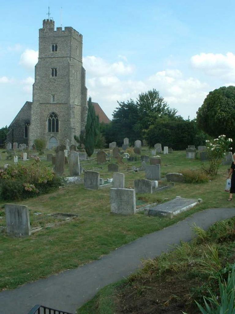 RAINHAM (ST. MARGARET) CHURCHYARD - CWGC