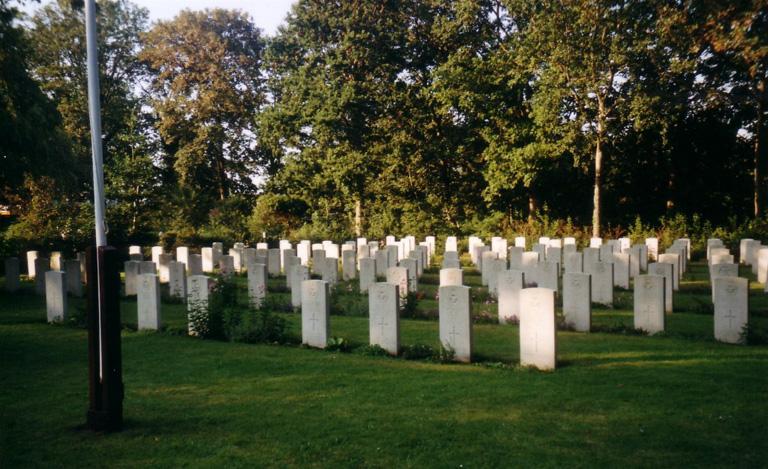 TEXEL (DEN BURG) CEMETERY - CWGC