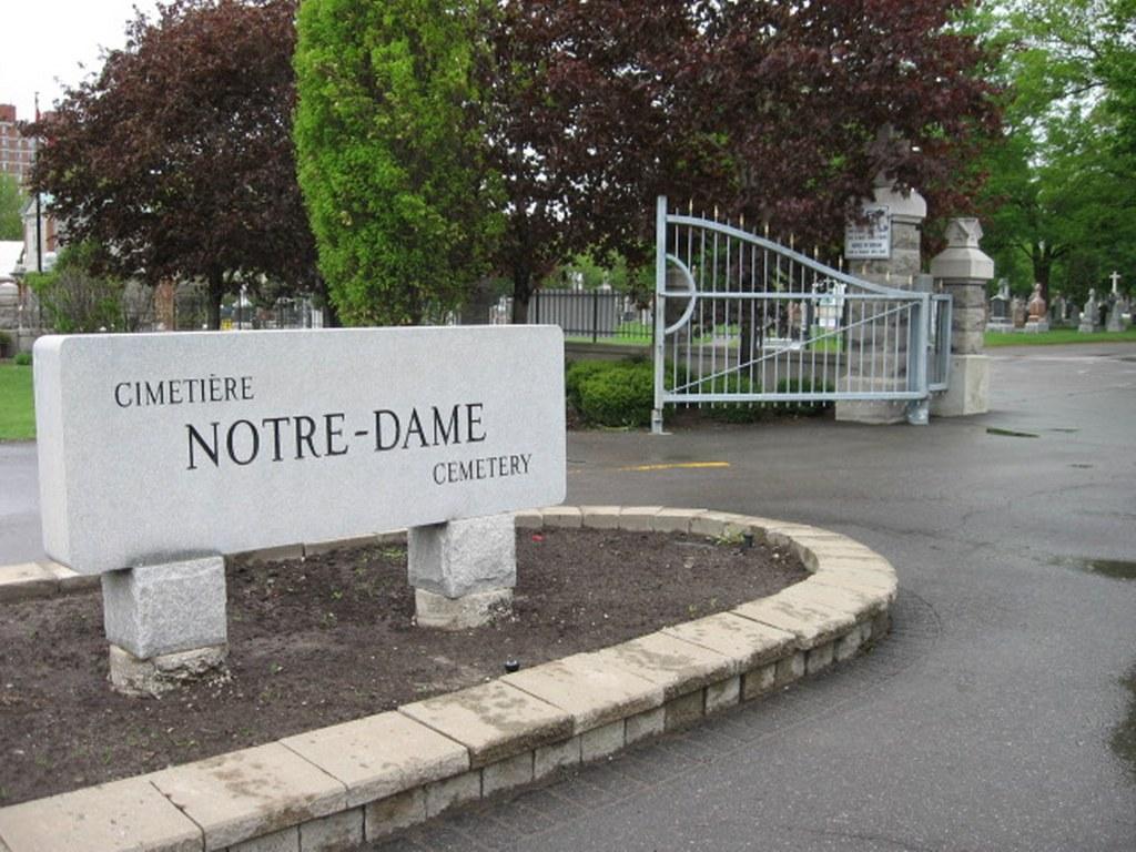 OTTAWA NOTRE DAME CEMETERY - CWGC