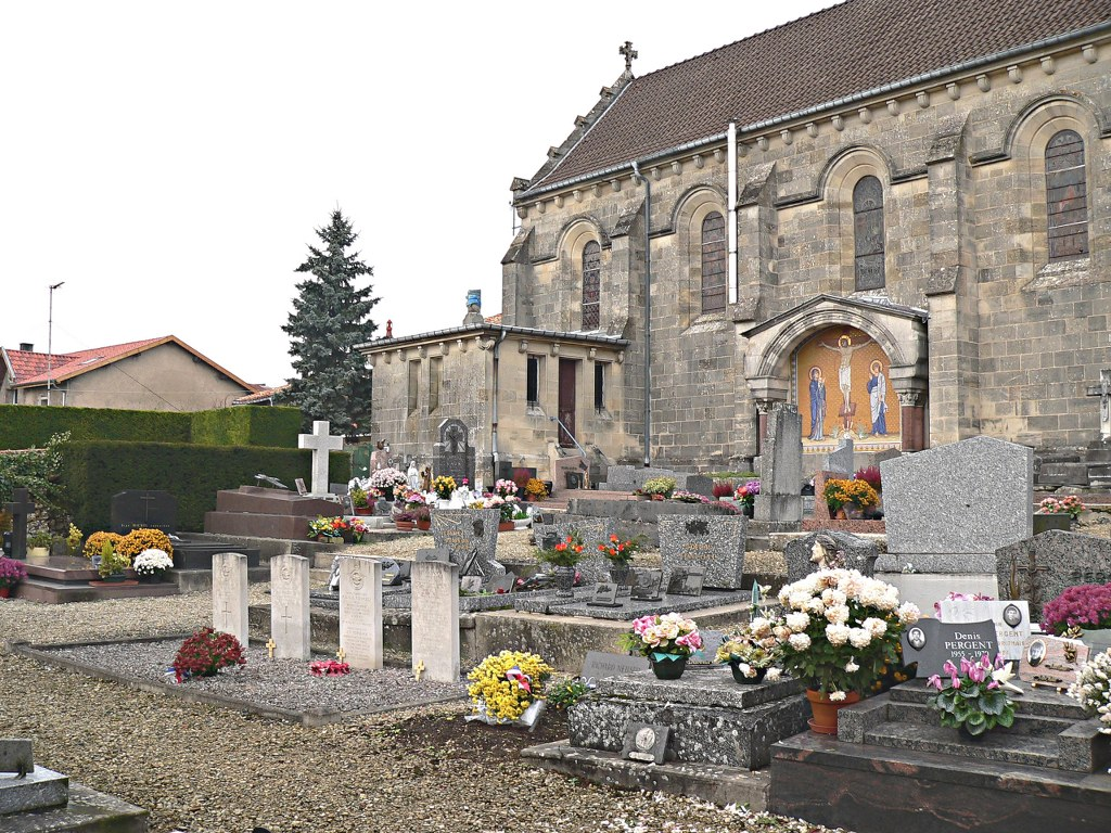 BUSSY-LA-COTE CHURCHYARD - CWGC