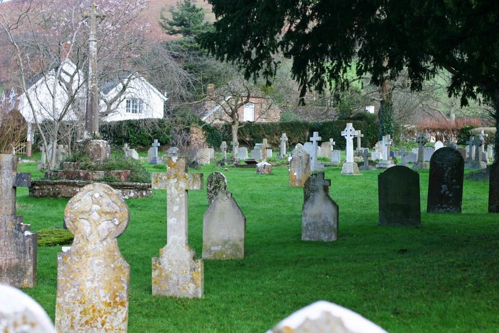 BICKNOLLER (ST. GEORGE) CHURCHYARD - CWGC