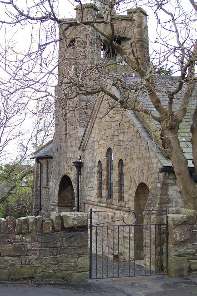 BROUGHTON MOOR (ST. COLUMBA) CHURCHYARD - CWGC
