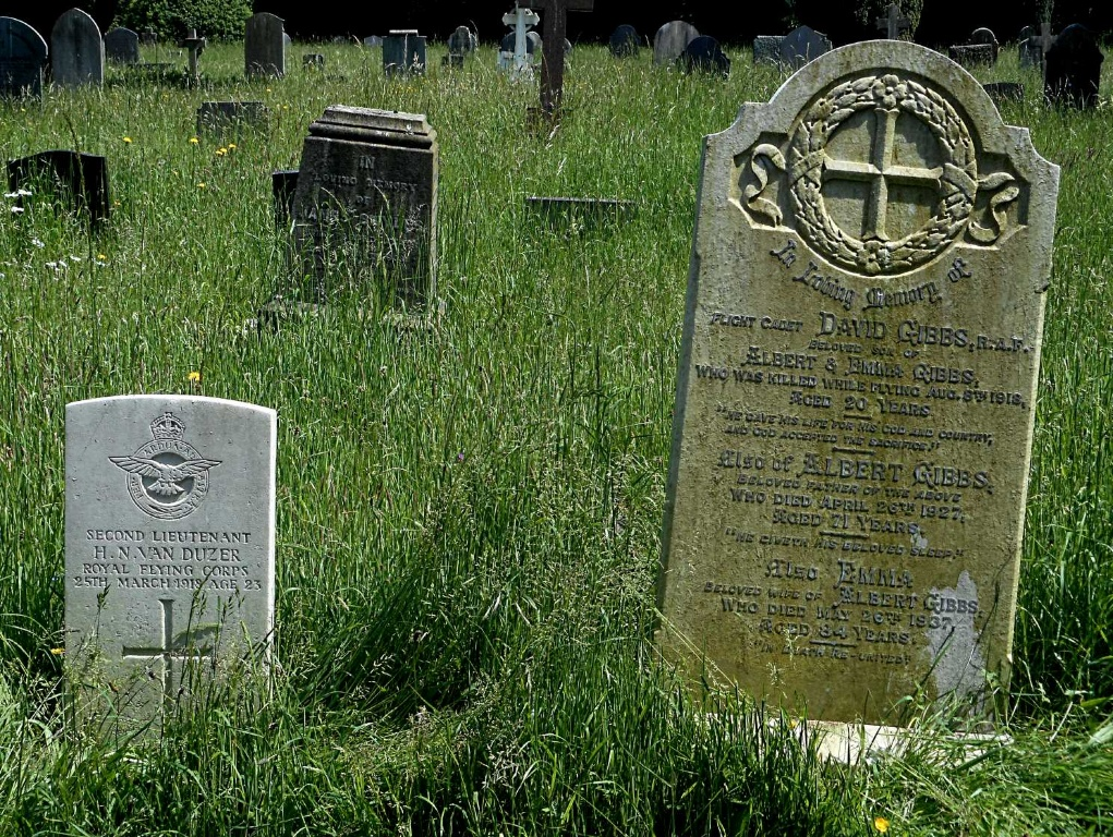 RUGBY (CLIFTON ROAD) CEMETERY - CWGC