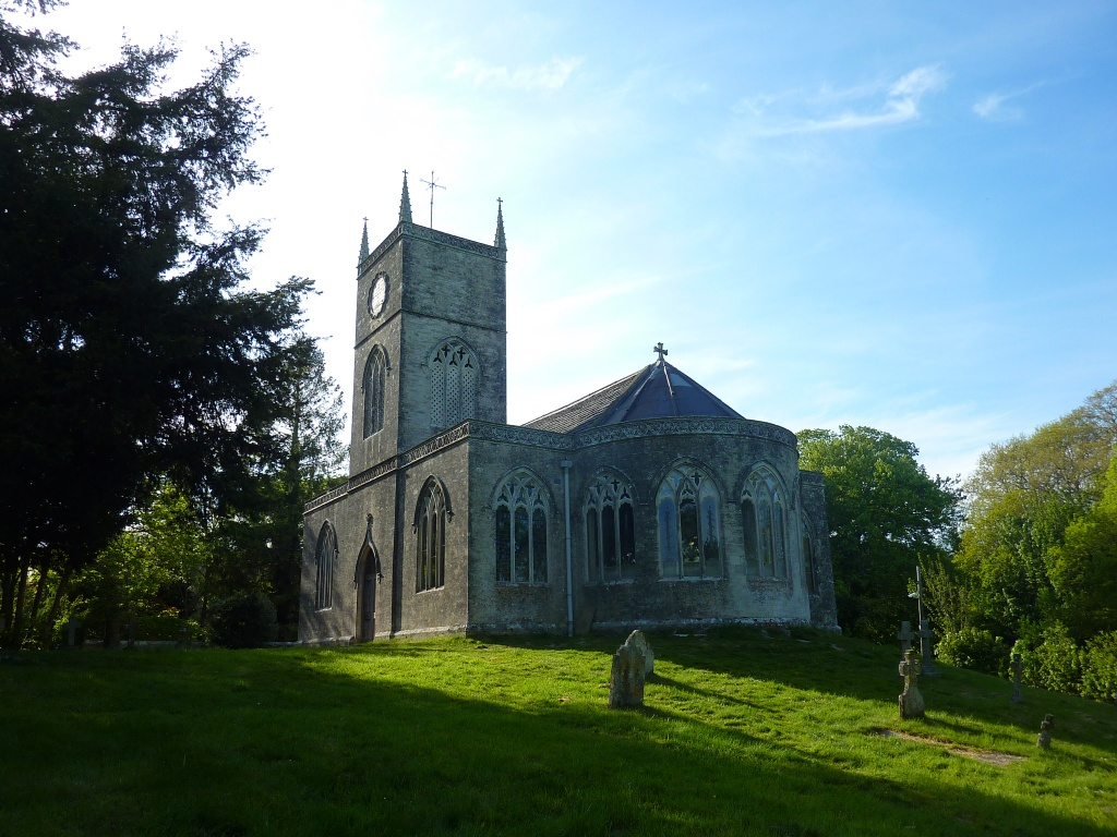 MORETON (ST. NICHOLAS) CHURCHYARD - CWGC
