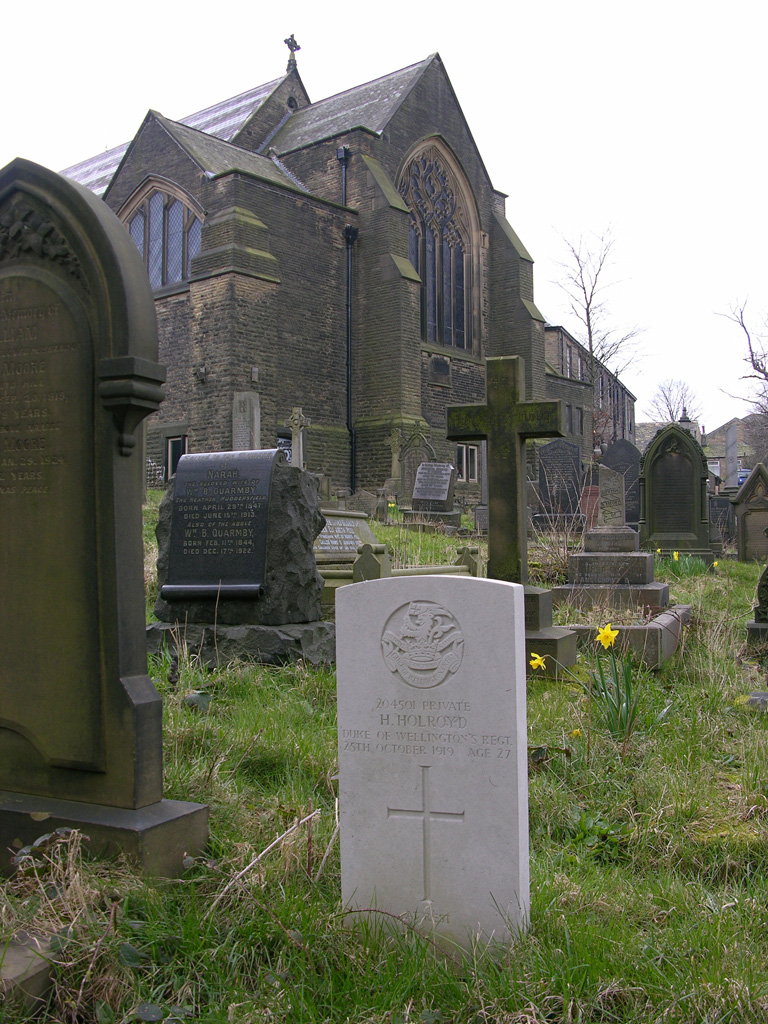 LINDLEY METHODIST CHAPELYARD - CWGC