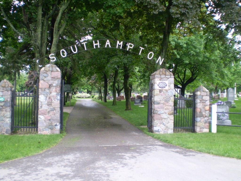 SOUTHAMPTON (BRUCE) CEMETERY - CWGC