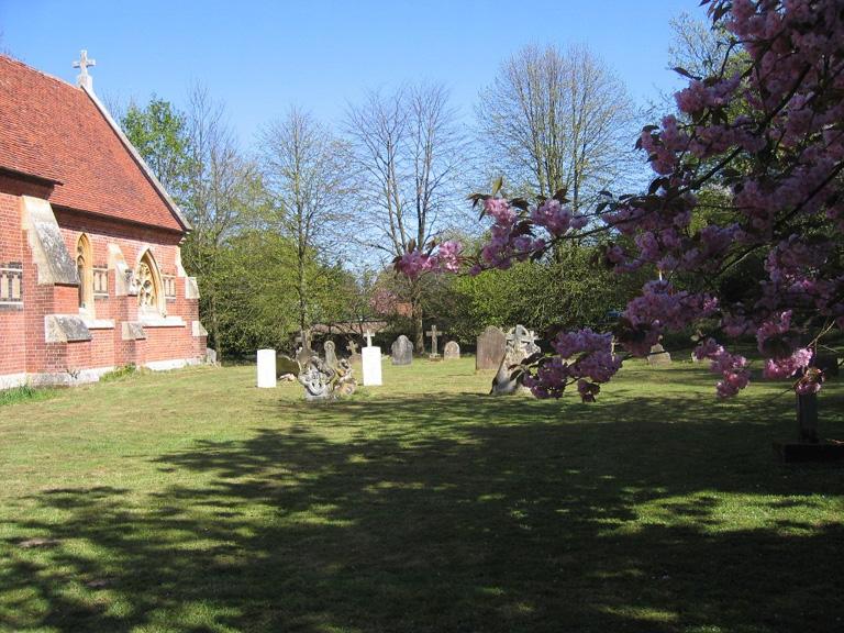 TWINSTEAD (ST. JOHN) CHURCHYARD - CWGC